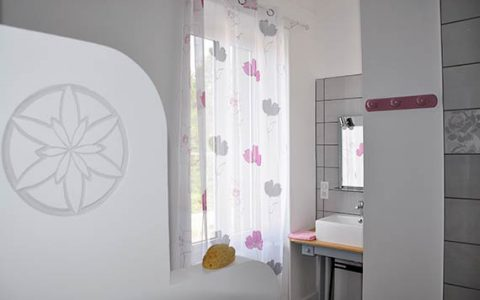 imgGalery_chambre-hote-aubrac-sdb2